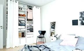 rideaux pour placard de chambre volet roulant pour placard cuisine volet roulant pour placard
