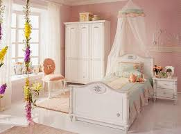 classic bedroom furniture for timelessly elegant and modern kids rooms