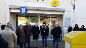 bureau de change banque postale pétition la poste préserver le bureau de poste de fleury sur orne