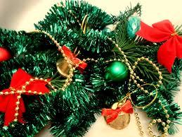 decorating your garage door for christmas