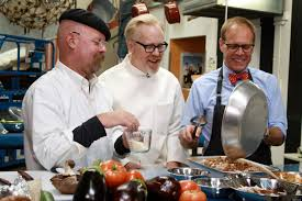 cook thanksgiving dinner mythbusters u0027 thanksgiving special alton brown cooks turkey dinner