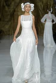 pronovias wedding dresses spring 2014 bridal runway shows