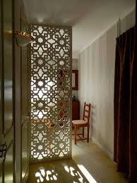 design cuisine marocaine claustra interieur design avec brise vue en bois sur mesure par