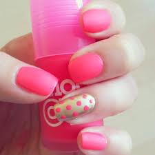 bubblegum spotty nail art stamp nail art