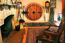 hobbit home interior this built his own hobbit home this is what the inside