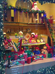Christmas Window Decorations Chicago by Thursday Things Holiday Events In Chicago Tomatoes For Cucumbers