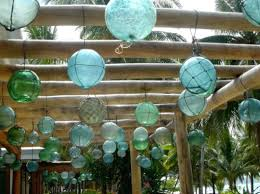 10 Ways to Decorate with sea glass floats