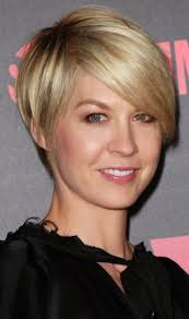 fine graycoming in of short bob hairstyles for 70 yr old 63 best cortes images on pinterest short cuts hairstyle ideas