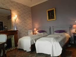 chambre aubergine et beige chambre violet et beige charmant deco chambre violet photos de d