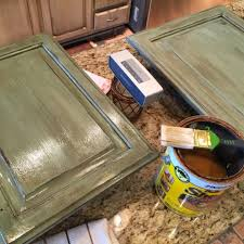 crafty southern mama painted kitchen island in annie sloan chalk