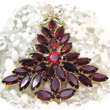 fiery red dominique glass christmas tree brooch w the u0027look of