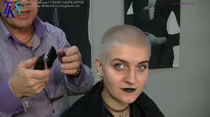 theo knoop new hair today ultra short feminine clipper cut in platinum color marleijn