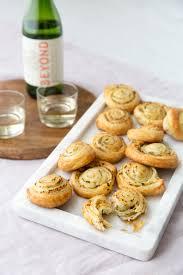 flaky garlic bread pinwheels recipe pastries puff pastries