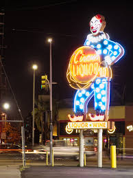 lighting stores in san fernando valley file circus liquor clown sign at night 2015 08 17 jpg wikimedia