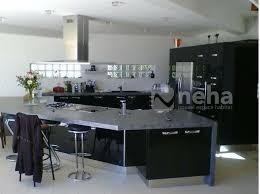cuisine noir laqué cuisine aménagée laqué de couleur noir neha cuisine en normandie 76