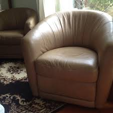 Swivel Chairs For Sale Find More 2 Natuzzi Italian Leather Swivel Chairs For Sale At Up