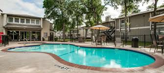 courtyards of roses apartments in irving tx