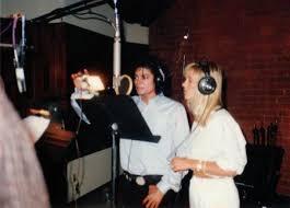 Michael Jackson et Christine Decroix sur l\u0026#39;enregistrement de la chanson \u0026#39; Je ne veux - michaeljackson-vip-blog-com-3500MichaelchrJacksonchretchrChristinechrDecroixchrsurchrlchrchrenregistrementchrdechrlachrchansonchrJechrnechrveuxchrpaschrlachrfinchrdechrnous
