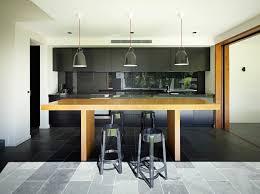cuisine moderne et noir cuisine et bois moderne et élégante chalet chic