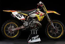 suzuki motocross bikes for sale motocross action magazine 2018 suzuki rm250 two stroke that should