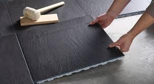renovation carrelage sol cuisine rénover un sol en toute simplicité avec un carrelage clipsable
