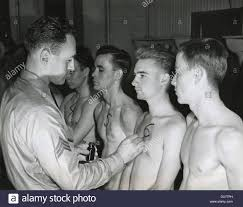 recruits to the u s army starting their physical the