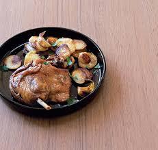 cuisiner confit de canard confit de canard cuisson et accompagnements saveurs magazine