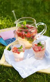 strawberry gin fizz recipe strawberry gin refreshing summer