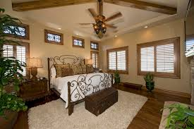 chambre coloniale chambre à coucher coloniale de style photo stock image du