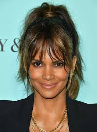 harry berry hairstyle the red carpet facial here s the secret to halle berry s glowing
