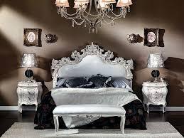 chambre à coucher style baroque le chevet baroque rennaissance d un meuble classique archzine fr