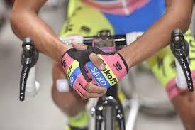 summer waterproof cycling jacket beating the british weather buyer u0027s guide su