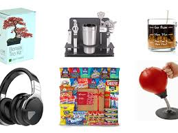 25 christmas gift idea for colleagues 1000 ideas about cricut