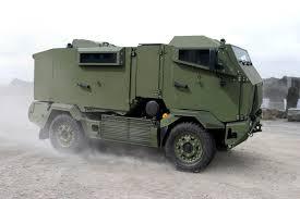 unarmored humvee šarvuoti automobiliai kariniai visureigiai sunkvežimiai ir kt