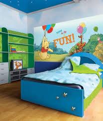 deco winnie l ourson pour chambre décoration winnie l ourson et tigrou pour chambre d enfant mur ou