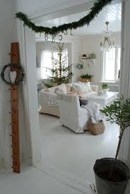 swedish christmas decorations living room b4c0214557f7f76412ff97c9b2a73476 swedish christmas