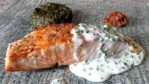 cuisine pav de saumon recette de pavé de saumon grillé à la crème de ciboulette