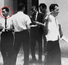 Oswald Backyard Photos Donald Trump Defends Linking Ted Cruz U0027s Father With Jfk Assassin