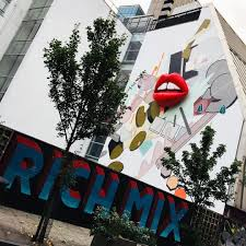 the london hotspots even londoners don t know about savoir flair rich mix london exterior wall mural