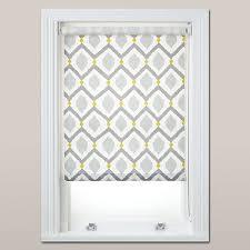 Bathroom Window Blinds Ideas The 25 Best Bathroom Blinds Ideas On Pinterest Blinds For