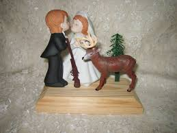 kissing wedding big buck deer hunter cake topper wedding cake