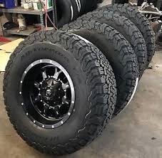 fuel jeep 5 17 fuel krank black wheels jeep wrangler jk tj 35 bfg at ko2