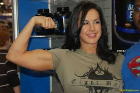 men would you date a woman that could bench press 250 lbs
