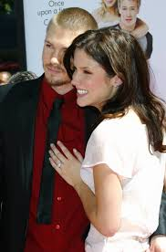miranda lambert engagement ring sophia bush from chad michael murray celebrity engagement