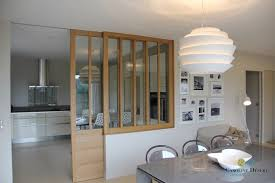 cuisine semi ouverte avec bar cuisine ouverte délimitée par une verrière ou un îlot bar