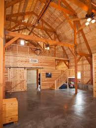 Dutch Barn House Design Best 25 Gambrel Barn Ideas On Pinterest Gambrel Roof Barn