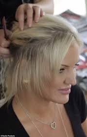 hair styles for women with center bald spots brynne edelsten loses her hair extensions and reveals her bald