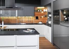 stinkender abfluss küche abfluss kuche verstopft verstopft anleitung abfluss reinigen