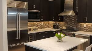 Kitchen Backsplash Dark Cabinets by Backsplash With Dark Cabinets L Shaped Stone Grill Island Round