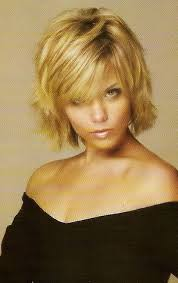 pictures of short layered hairstyles that flip out blonde short hairstyles for women bob cut bangs and flipping